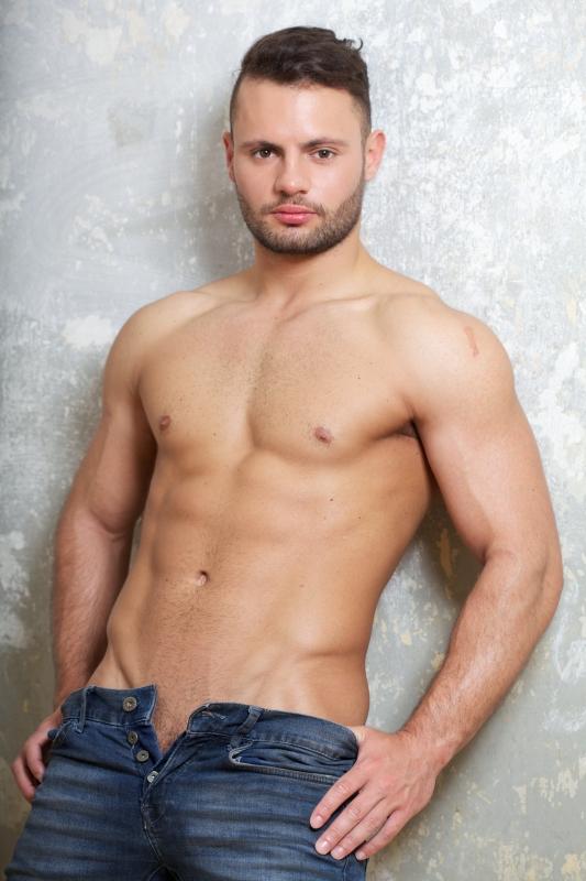 Cloth gay loin man nude